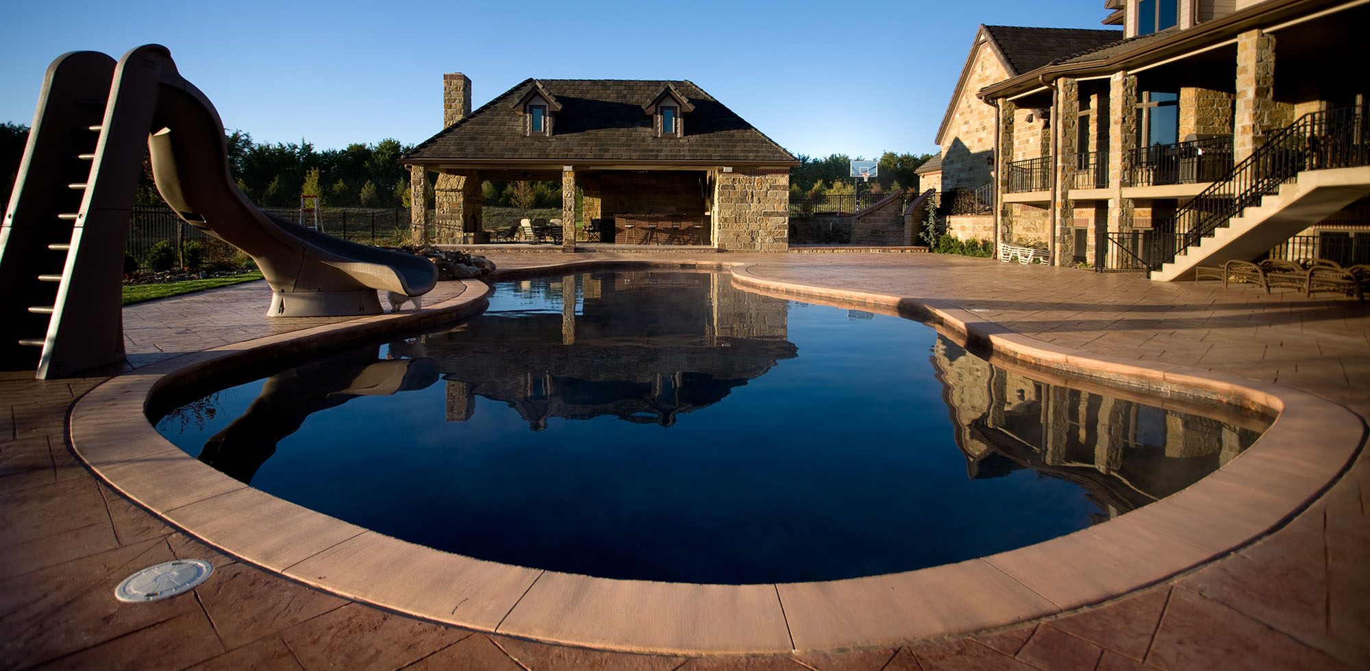freeform gunite custom pool